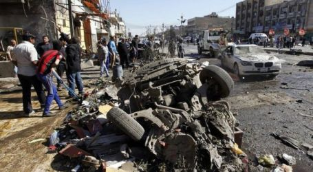 21 IRAQIS KILLED IN TWO CAR BOMB ATTACKS IN BAGHDAD