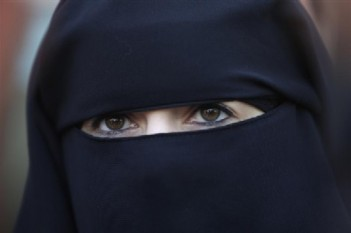 GERMANS REJECT CALLS TO BAN MUSLIMS' NIQAB