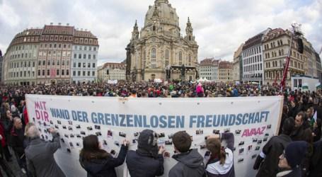 GERMAN ANTI-RACISM RALLY DRAWS THOUSANDS