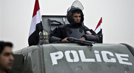 BOMB ATTACK WOUNDS FOUR EGYPT POLICEMEN IN RESTIVE SINAI