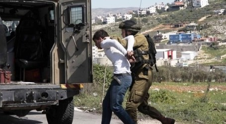 TWO PALESTINIANS NABBED, ANOTHER INJURED IN IOF RAIDS IN NABLUS, AL-KHALIL