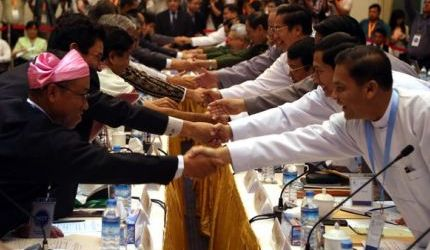 MYANMAR GOVERNMENT, ETHNIC GROUPS SEEK WAYS TO REDUCE CONFLICT