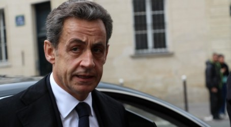 FRANCE: SARKOZY IN FAVOR OF HEADSCARF BAN IN UNIVERSITIES