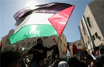 ISRAEL DENIES PLO OFFICIALS ENTRY TO WEST BANK FROM GAZA