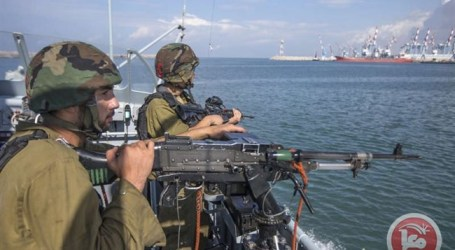 ISRAELI NAVAL FORCES OPEN FIRE AT GAZA FISHING BOATS