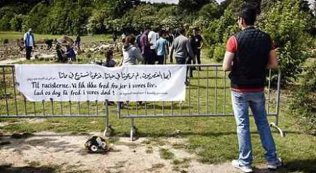 DANISH MUSLIMS FROWN AT CEMETERY DEFILING