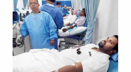MUSLIMS DONATE BLOOD FOR UMRAH PILGRIMS
