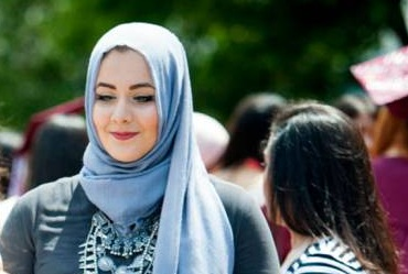 US VEILED STUDENT NAMED BEST DRESSED