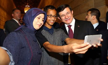 TURKISH PM MEETS US MUSLIM TEEN ARRESTED OVER CLOCK