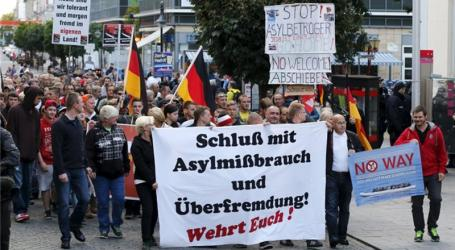 GERMANY'S RADICAL RIGHT MOBILIZES AGAINST REFUGEES