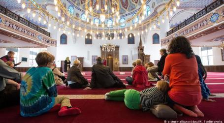 NON-MUSLIM NEIGHBORS TO CLOSER AT ISLAM IN GERMAN