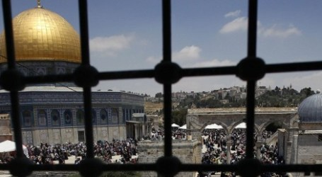 AL-AQSA AGE RESTRICTIONS LIFTED FOR FRIDAY PRAYERS
