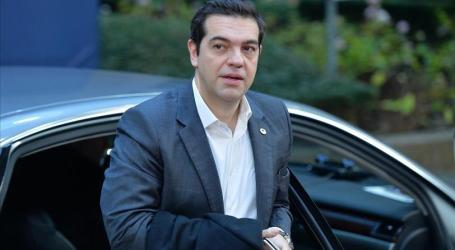 GREECE: TSIPRAS HARDENS STANCE AGAINST IMF IN BAILOUT