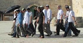 ISRAELI VANDALS STORM MUSLIMS' AL-AQSA MOSQUE