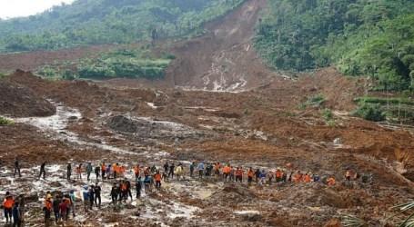 Landslides, Floods Kill 35 on Indonesia's Java Island