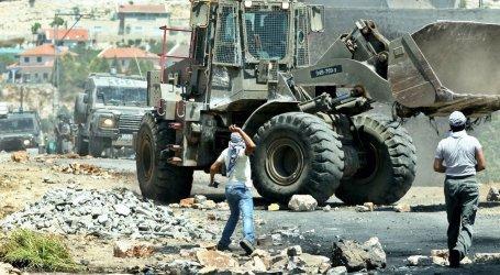 Israel Demands Bedouin Village Pay over $500,000 in Demolition Costs