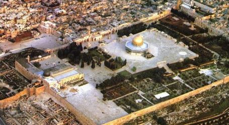 Kiswani: Israel Prevents Implementation of 40 Projects in Aqsa