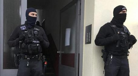 Police Search Mosques and Flats Across Germany