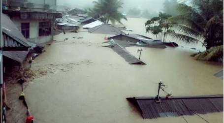 Over 100,000 Displaced, Airport Closed as Flood Hits Central Indonesia