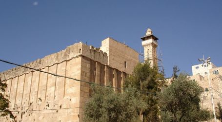 IOA Prevents Adhan in Ibrahimi Mosque for 44 Times