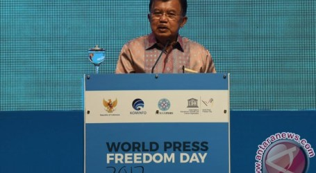 VP Kalla Inaugurates Commemoration of World Press Freedom Day