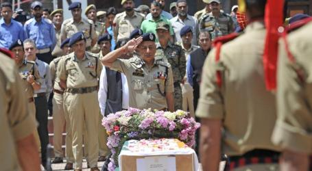 Angry Mob Lynches Police Officer Outside Mosque in Jammu, Kashmir