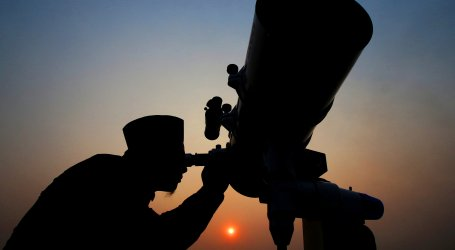 Saudi Arabia Calls for Sighting Shawwal Eid Al-Fitr Moon on Monday