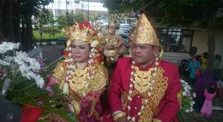 Unique Marriage at Malioboro, with Dowry in the Form of Pledge on Pancasila