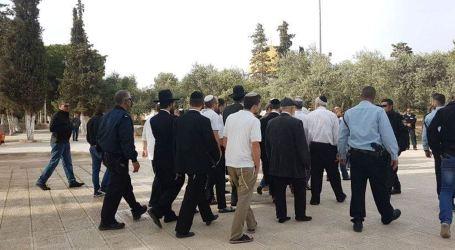 130 Israeli Settlers Break into Al-Aqsa Mosque