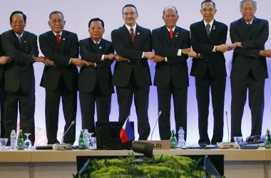 ASEAN Vows to Counter Extremism after Marawi lLberation