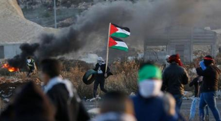 Palestine Red Cresent Treats 44 People in Clashes with Israeli Forces