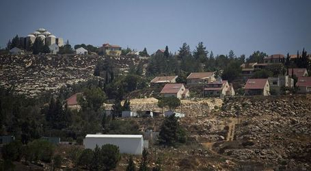 Israeli Settlers Hold Sway Over Palestinian Lands in Nablus