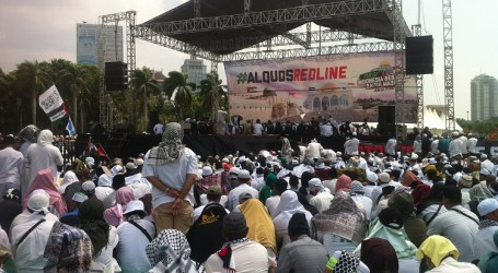 Thousand Hundreds Indonesian Protest Againts US Policy on Jerusalem