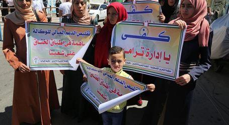 Massive Sit-in in Gaza Protest at UNRWA Cuts