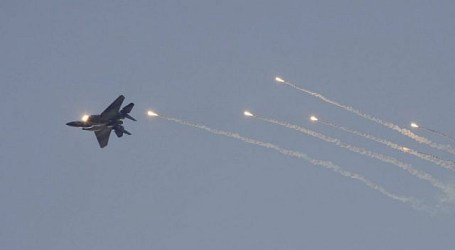 Israeli Warplanes Strike Several Targets in Khan Younis