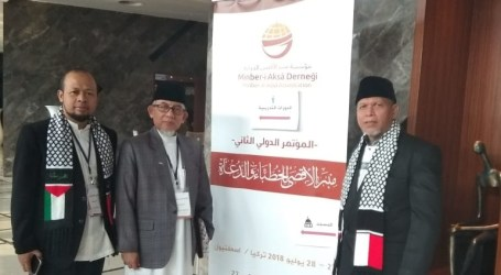 Imaam Jama'ah Muslimin (Hizbullah) Attends the International Conference on Al-Aqsa in Istanbul