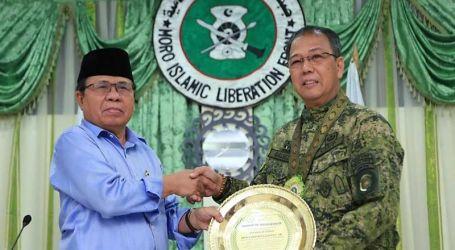 AFP Chief Visits Main MILF Camp, Declares War Over