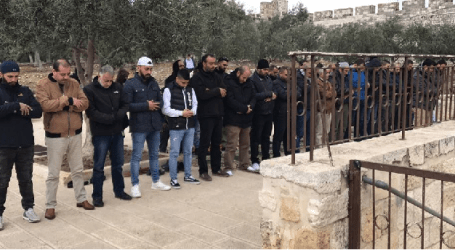 First time, Palestinians Perform Friday Prayers at Al-Rahma Al-Aqsa Gate
