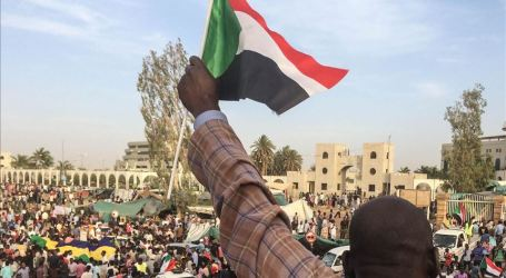 Arab League Backs Sudan's Transitional Military Council