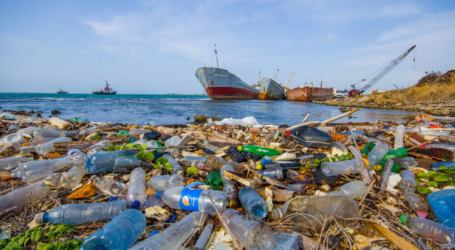 Maritime Minister: Indonesia Produces Second World's Biggest Plastic Waste