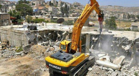 Israel Orders Demolition to Palestinian Buildings in Al-Quds