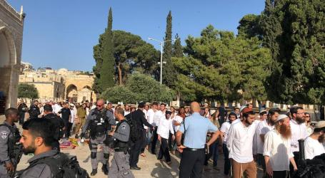 At Least 190 Settlers Defile Aqsa Mosque