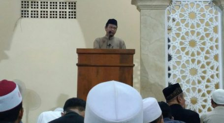 "Jama'ah Muslimin (Hizbullah) Holds ""Great Fajr Movement"" Supporting Palestine"