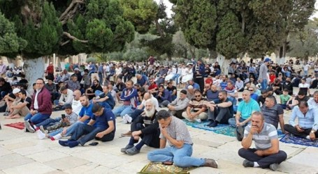 Palestinian Muslims Banned for Friday Prayers at Al-Aqsa Mosque