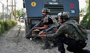 Kashmir Fighters Shoot with Indian Forces, Three Killed