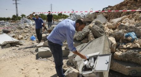 Israel Destroys Palestinian Covid-19 Research Center in Hebron