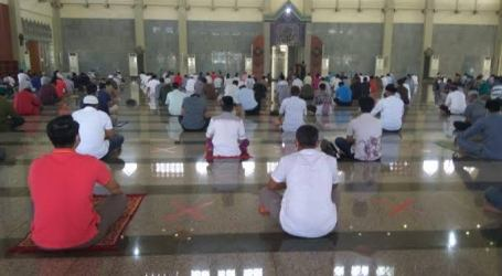 As 208 Mosques of Astra Group Implement New Habbits Adabtation