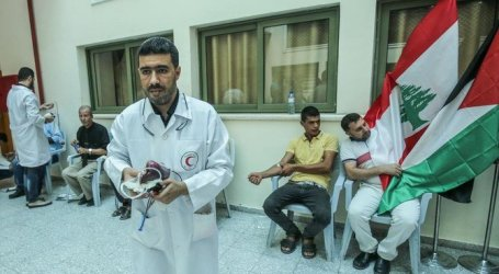 Gaza Residents Donate Blood for Beirut Explosions' Victims