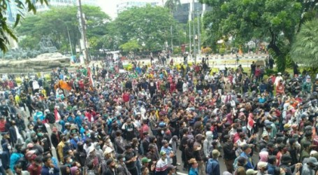 Demonstrations in Jakarta and Regions Turned into Chaos