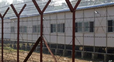 """HRW Urges Myanmar to Release Thousands of Ethnic Rohingya from """"Prison"""" Camps"""
